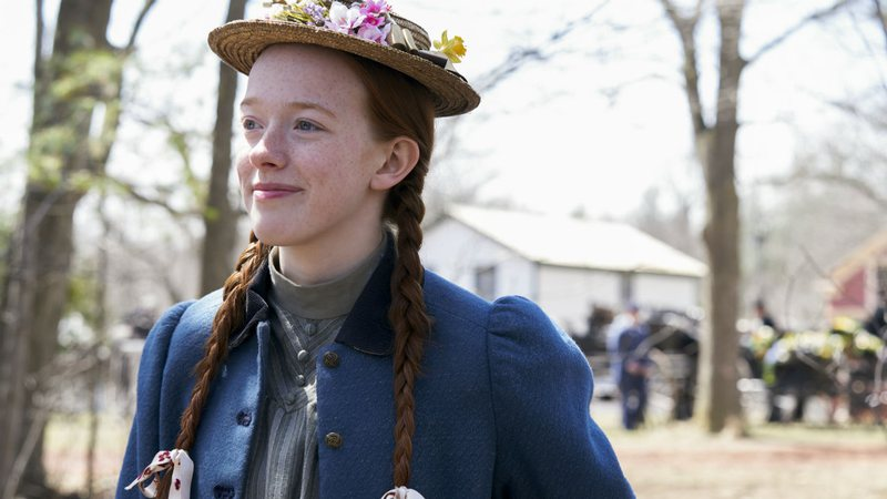 Amybeth McNulty como a personagem Anne em cena de Anne With an E