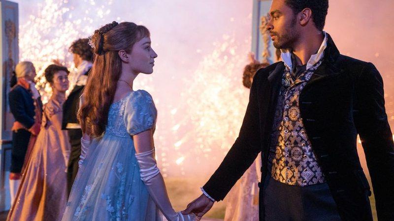 """Exitoína · """"Bridgerton"""", nova série da Netflix baseada na série de livros  de Julia Quinn, tem primeiras fotos divulgadas; saiba mais!"""