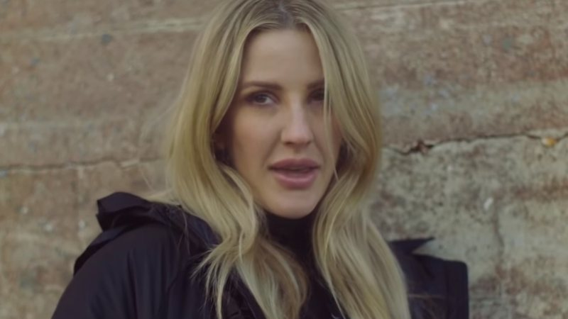 Ellie Goulding no clipe de River