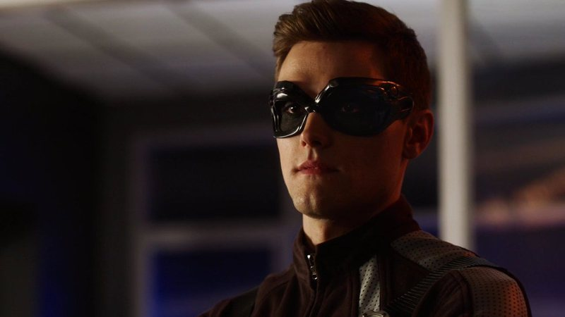 Hartley Sawyer como Ralph Dibny em The Flash