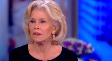 Jane Fonda durante entrevista para o The View - YouTube