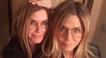 Courteney Cox e Jennifer Aniston em post no Instagram - Instagram