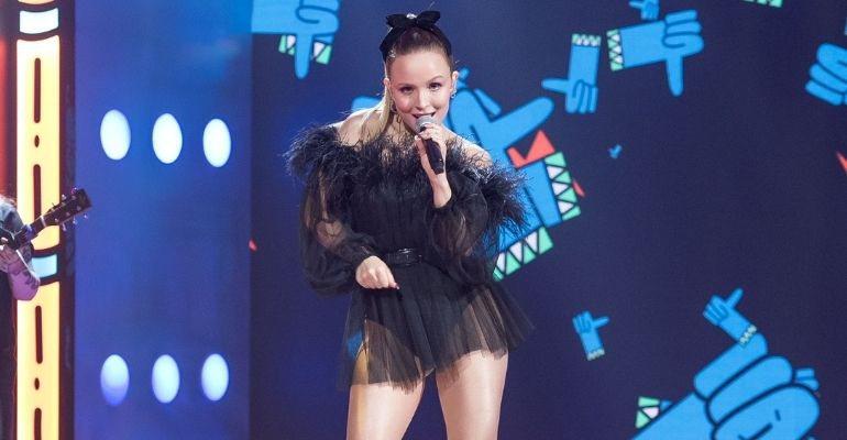 Exitoína · Larissa Manoela canta Ariana Grande no palco do Meus Prêmios Nick  2020