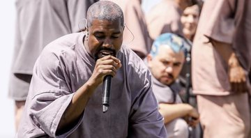 Kanye West  durante o Sunday Service no Coachella 2019 - YouTube