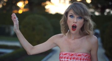 Taylor Swift no clipe Blank Space, single do 1989 - YouTube