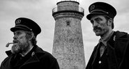 Robert Pattinson e William Dafoe em The Lighthouse - Divulgação/A24