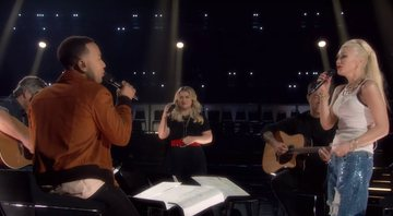 Kelly Clarkson, Gwen Stefani, John Legend e Blake Shelton no The Voice - Reprodução/YouTube