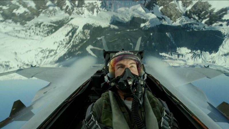 Tom Cruise retorna ao papel do aviador em novo filme