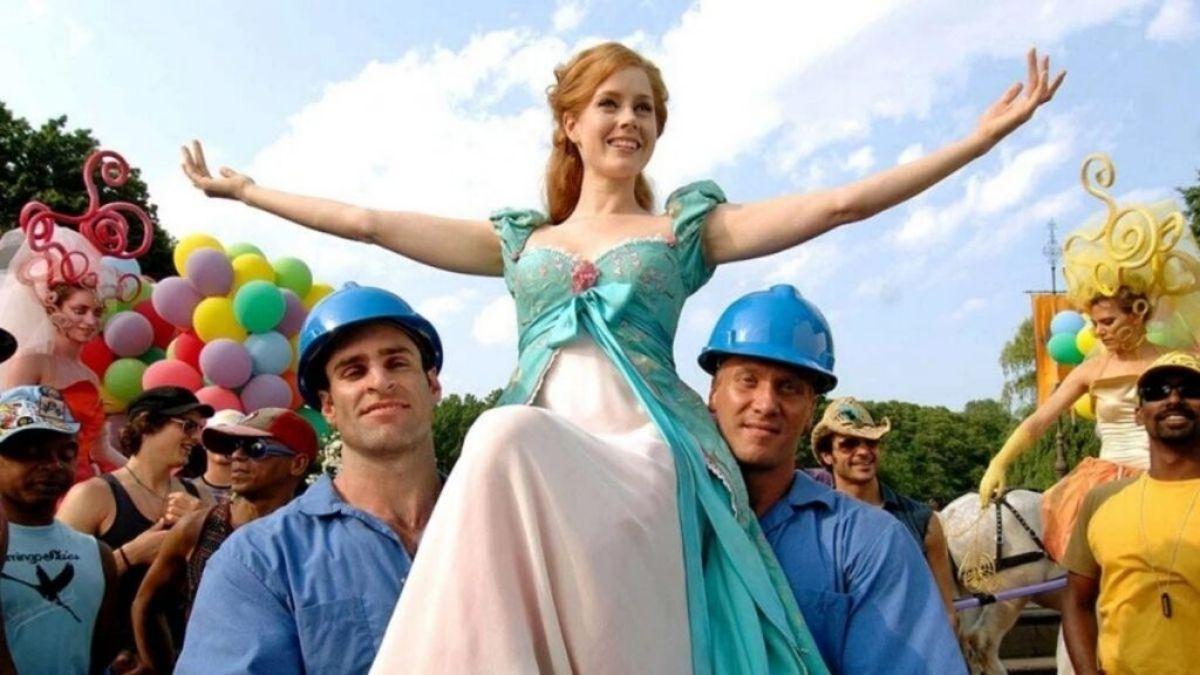 """Amy Adams em cena de """"Encantada"""" (Reprodução/Walt Disney Pictures)"""