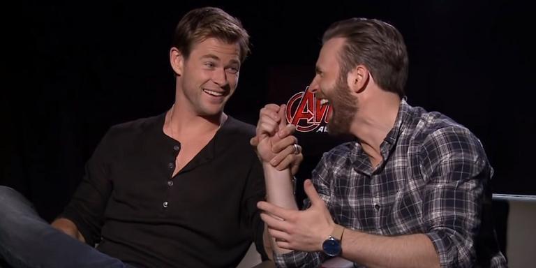 Chris Hemsworth e Chris Evans em entrevista.