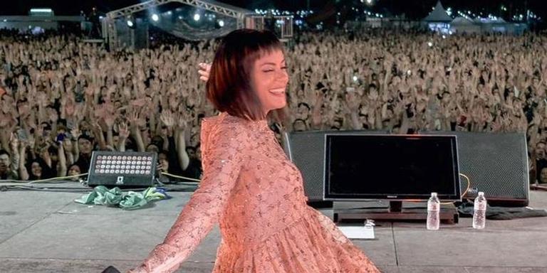 A cantora britânica Lily Allen durante show em São Paulo, em foto publicada em seu Instagram