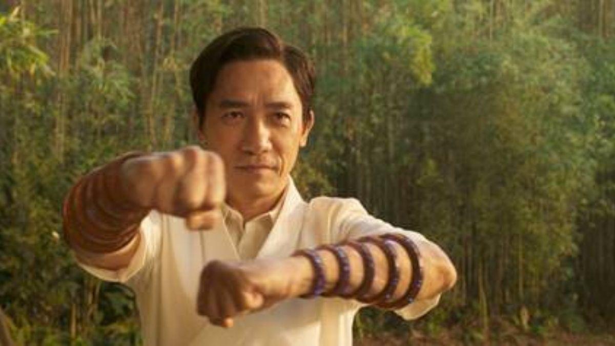 """Wenwu em """"Shang-Chi e a Lenda dos Dez Anéis"""" (Reprodução/Marvel Studios)"""